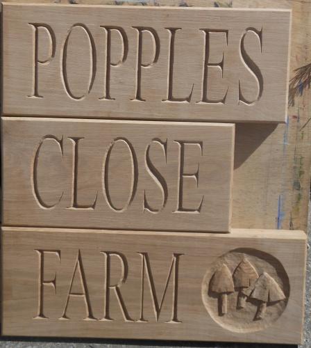 Lettering - Popples Close Farm